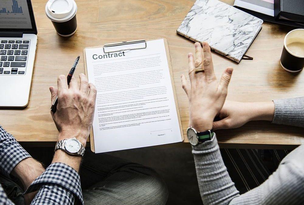 ¿Qué es el contrato de relevo?