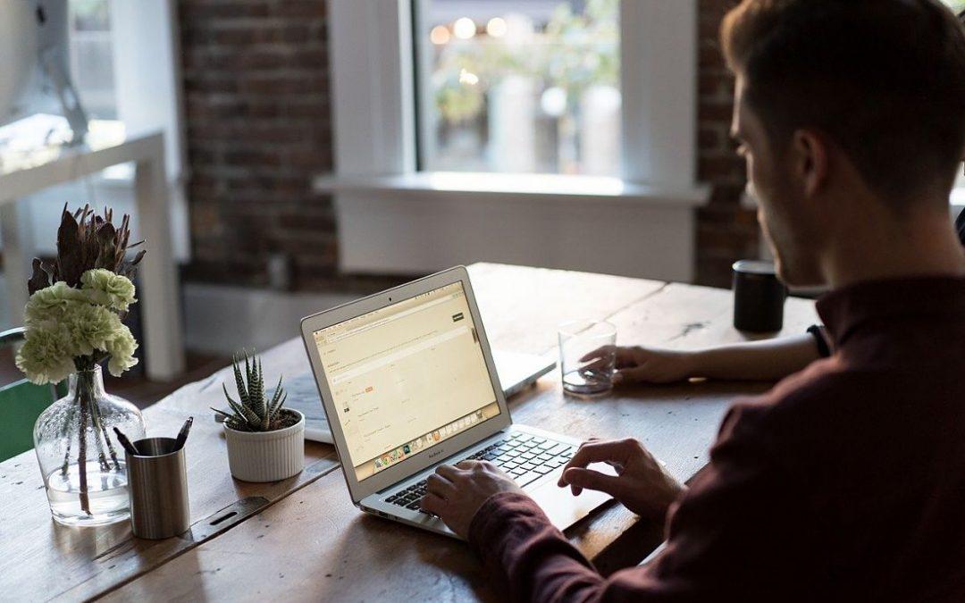"""¿Es legal la existencia de los """"Hot Desk"""" en una empresa?"""